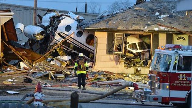 Fotos: Cuatro muertos en un accidente de un avión privado en EE.UU.