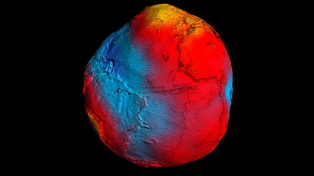 Un satélite reveló que el campo gravitatorio de la Tierra parece una patata