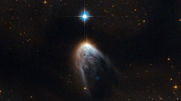Espectacular y violento nacimiento de una estrella, captado por el Hubble