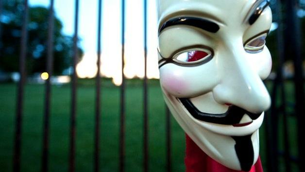 Anonymous en apoyo a Assange: Anuncia la 'caída' de la web de una unidad de la Policía Nacional del Reino Unido