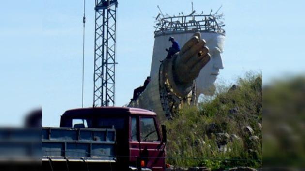 Un trabajador herido en la construcción de la estatua de Cristo más grande