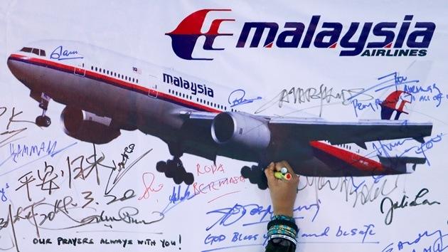 """Un avión chino detecta """"objetos sospechosos"""" durante la búsqueda del MH370"""