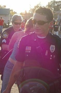 La policía arresta a miembros de la prensa en SOA Vigil 2010