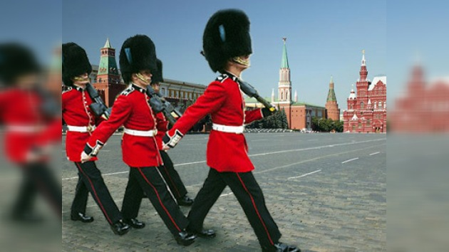 La tropa extranjera desfilará en la Plaza Roja con la música de 'Katyusha'