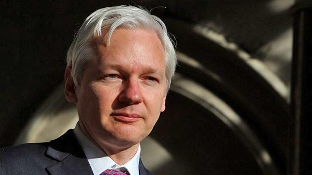 """Assange: """"Cientos de políticos buscan secuestrarme y asesinarme"""""""