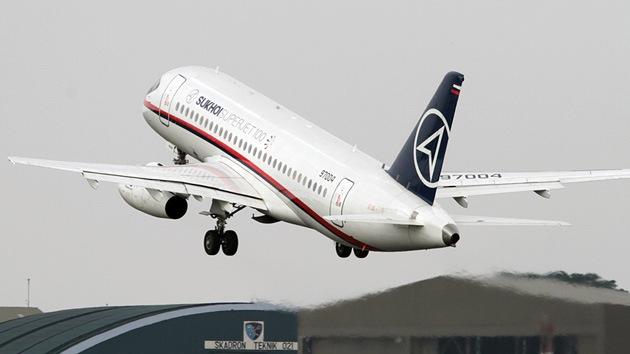 Encuentran el avión ruso desaparecido en Yakarta