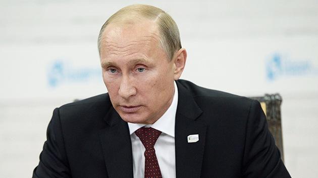 """Putin: """"Algunos países utilizan su dominio en Internet con objetivos militares y políticos"""""""
