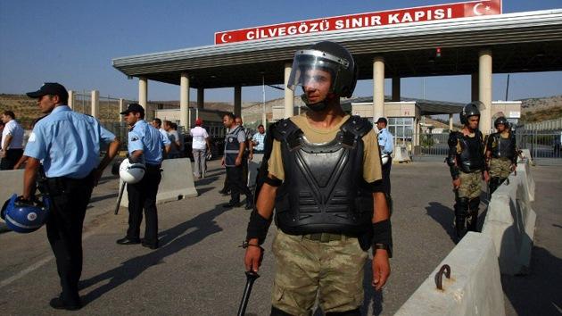 Turquía cierra su frontera con Siria