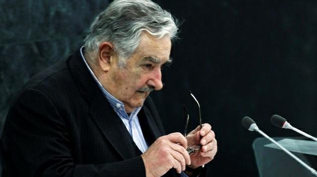 "Mujica llama a la ONU ""vieja"" y promete ""no darle pelota"""