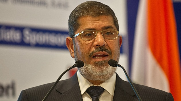 """Morsi: """"Cortaré el dedo a cualquiera que lo meta en Egipto"""""""