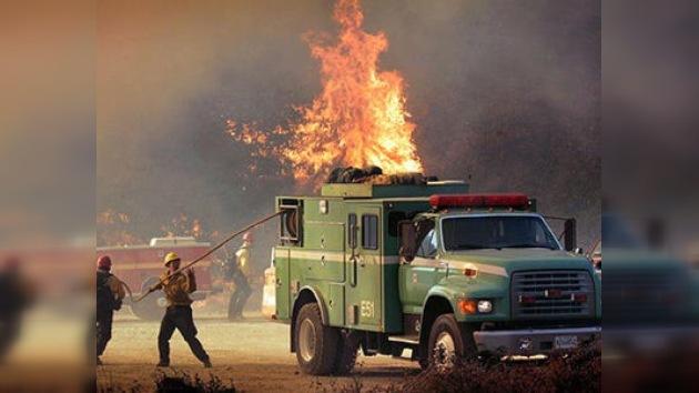 El fuego vuelve a devorar los bosques de EE. UU.