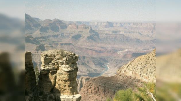 Un turista francés sobrevive tras caerse al Gran Cañón