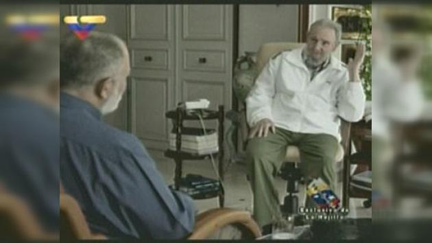 Fidel reaparece con aspecto saludable en una entrevista televisiva
