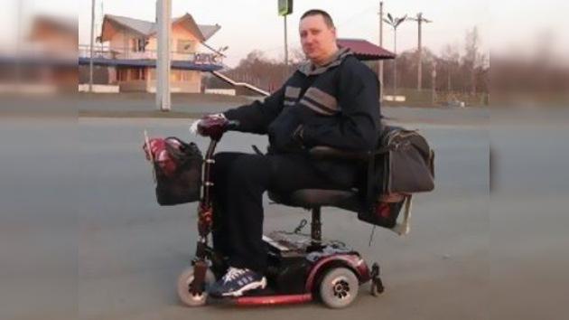 Un habitante del Lejano Oriente de Rusia recorre 9.000 kilómetros en silla de ruedas