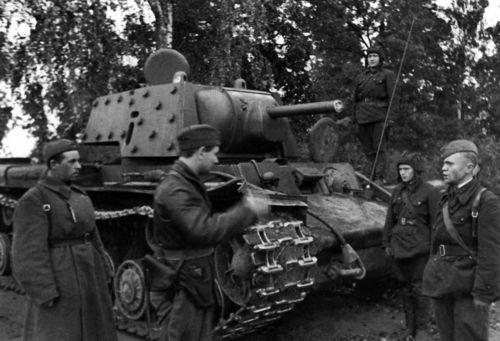 ¿Con qué armas vencieron los soldados soviéticos?