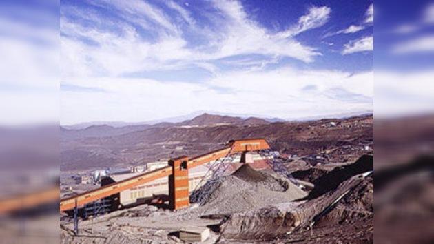 Paralizada por la huelga la producción de cobre en la mina chilena de El Teniente