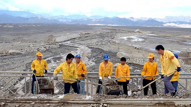 China mueve montañas para crear más ciudades