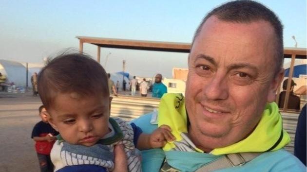 """""""Un gran hombre con un gran corazón"""", condenado al degüello por el Estado Islámico"""