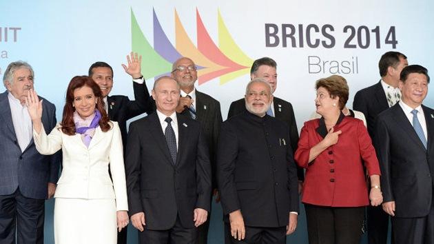 """""""EE.UU. se venga de Argentina mediante los fondos buitre por su interés por el BRICS"""""""