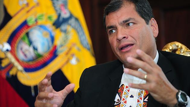 Correa: El pedido de asilo de Snowden a Rusia puede solucionar el caso