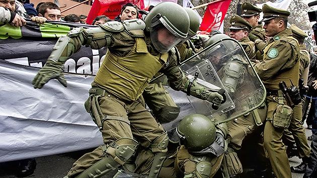 FOTOS: La Policía de Chile dispersa una protesta de trabajadores