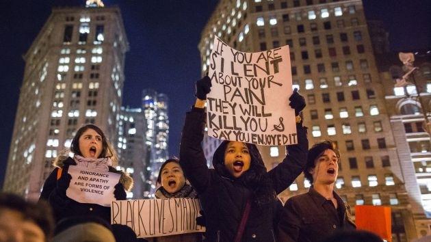 Videos: La Policía de EE.UU. usa gas lacrimógeno contra manifestantes durante las protestas