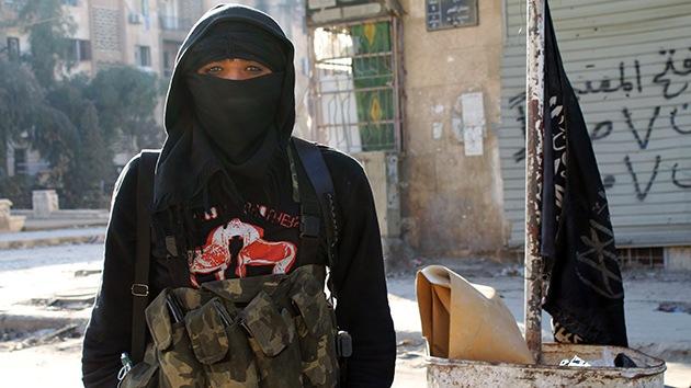 """Mujer exyihadista: """"Vi crucificar a un joven, decapitar a un hombre y decidí huir"""""""
