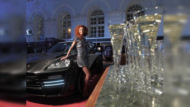 La Feria del lujo abre sus puertas en el pleno centro de Moscú