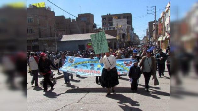 Perú cede ante la comunidad indígena y deroga las concesiones a la minería privada