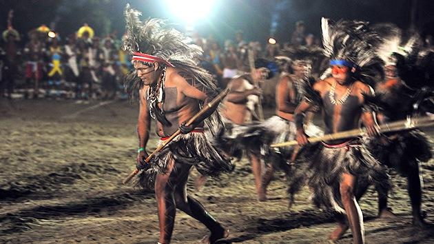 Indígenas brasileños amenazan con suicidarse en masa tras ser despojados de sus tierras