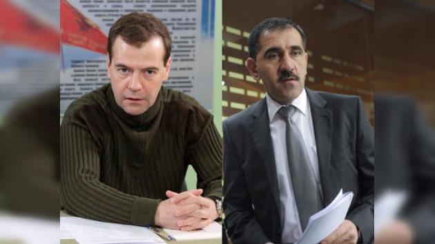 """Medvédev: """"Los extremistas que no dejen las armas deben ser detenidos o abatidos"""""""