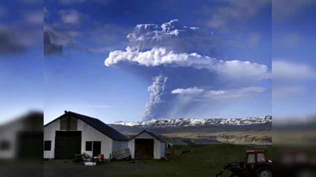 Entra en erupción el volcán islandés más activo del último siglo