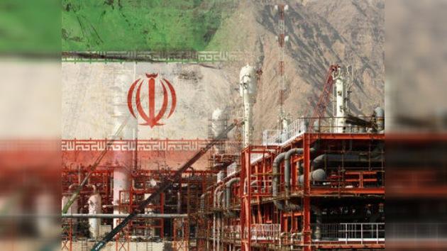La UE impone embargo petrolero a Irán