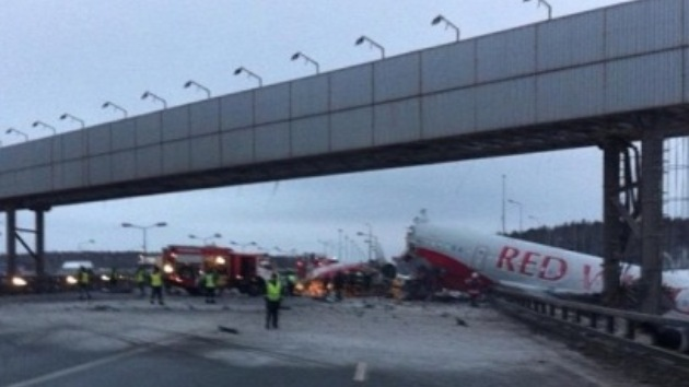 Video: Impactantes imágenes del accidente de avión en Rusia