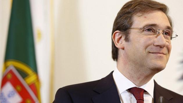 Peculiar protesta en Portugal: firmar facturas a nombre del primer ministro