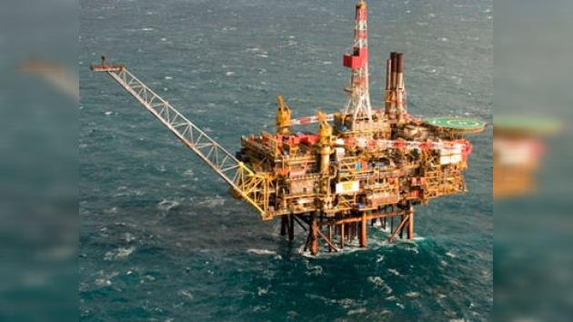 Shell cae en la bolsa tras el mayor vertido de crudo en el mar del Norte en 10 años