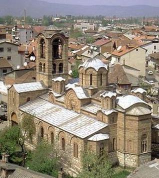 Los templos serbios de Kosovo 'dejados de la mano de Dios'... y de la KFOR