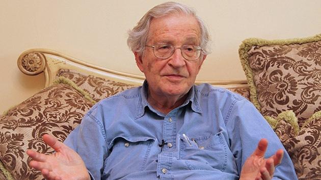 """Chomsky: EE.UU. es """"el estado terrorista número uno del mundo"""""""