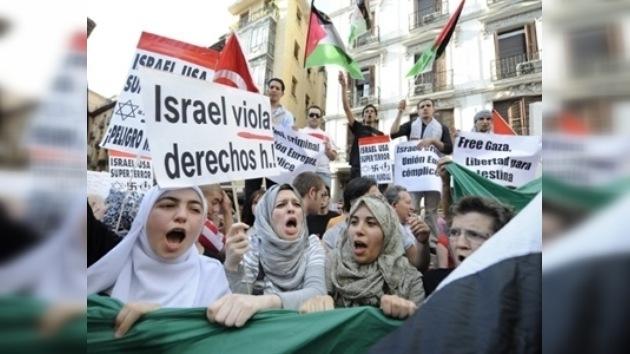 El mundo condena el asalto israelí al convoy humanitario