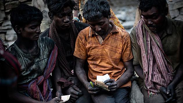 Los bolsillos de los 100 más ricos podrían erradicar la pobreza hasta cuatro veces  92cbc227e888372dc1d72f526de48005_article