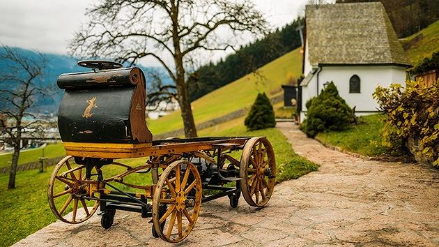 Fotos: Hallan un Porshe de 116 años