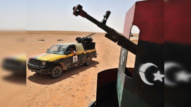 Francia entregó armas a los rebeldes libios sin avisar a la OTAN