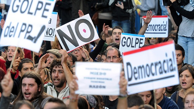 """'Desafío Total' de los indignados españoles al Congreso: Pasan del cerco al """"asedio"""""""