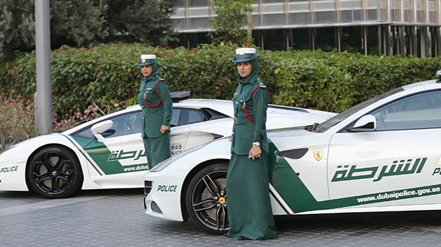 Fotos: Dubái compra Ferrari a sus mujeres-policía