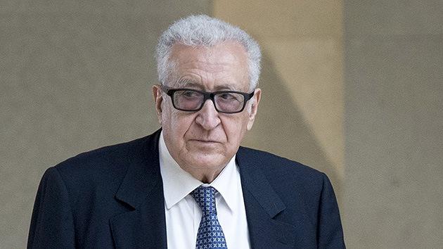 Brahimi: Un bloque opositor sirio no participará en Ginebra 2