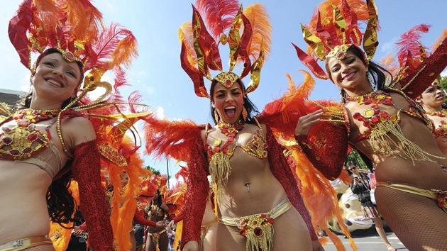 Brasileñas sorprenden en Londres 2012 con su ropa escotada