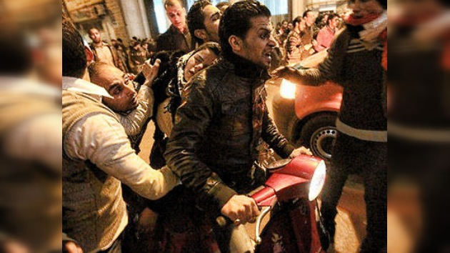 El Cairo se revuelve contra la masacre en el estadio de fútbol: en vivo por RT