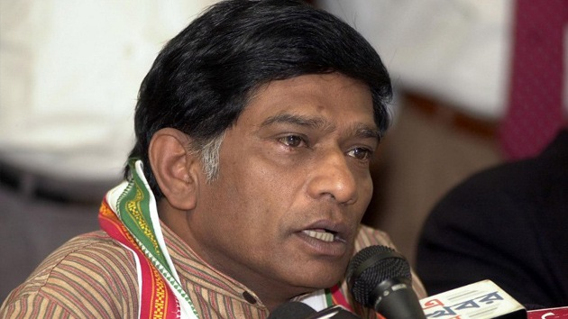 """Político indio: """"Voten por nosotros o recibirán una descarga eléctrica"""""""