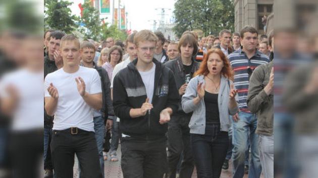 Manifestantes no autorizados, procesados en Bielorrusia