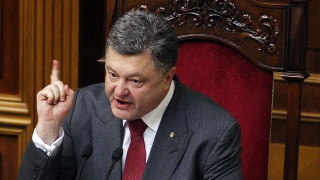 """Poroshenko riñe con una diputada que le espeta: """"El Ejército ucraniano mata niños"""""""